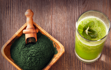 Spirulina offers a lot of benefits to the body.